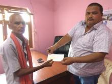 नगर प्रमुख श्रि नितेन्द्र प्रसाद साह ज्यु द्वारा रु. ५०,०००/- पचास हजार रुपैया नगद सहयोगको रुपमा चेक हस्तानान्तरण गरियो।